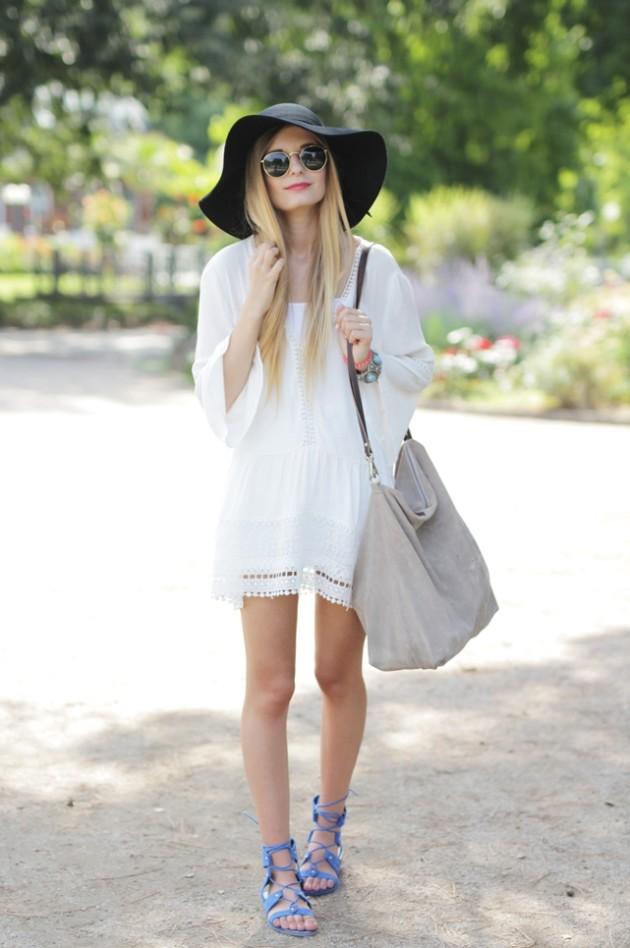White Dress & Gladiator Sandalen 1